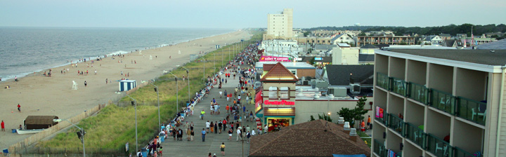Tourists take to the Boardwalk